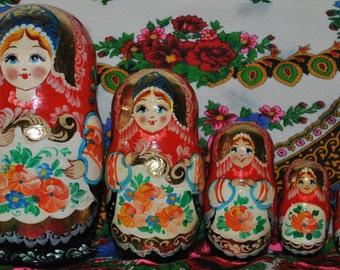Exquisite Eastern European set of 5 Nesting Dolls - Matryoshka -  Babushka - Stacking Fun!