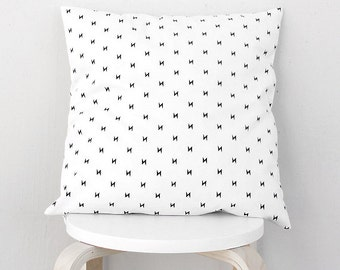 Black and white lightning bolt pillow case, Thunderbolt cushion cover