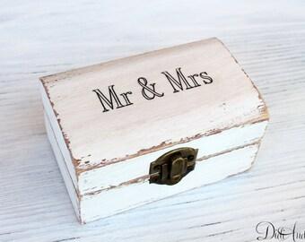 Ring Bearer Box, Wedding ring box holder, wedding box, mr and mrs box, personalized box, ring box,wedding pillow, white box, wedding Jewelry