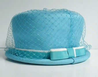 Vintage Blue Hat Women's Derby Bucket Church Dress Fashion Accessory Turquoise Color with Bow and Netting Signed Union Made 21 Inch