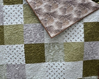 Woodland quilt, wildlife quilted throw, neutral tones, brown grey and green quilt.  Large nature quilt, snuggle quilt, earth tone quilt UK