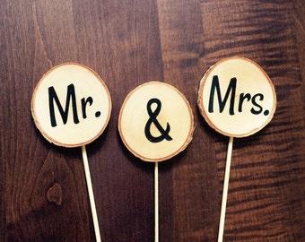 rustic wedding cake topper - mr mrs tree slice cake toppers