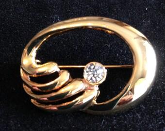 Gold and Diamante Vintage Brooch.