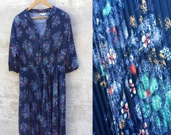 Vintage 70s blue floral boho dress, 3/4 length sleeves, pleats, Cue Fashions, size 20 1/2, plus size