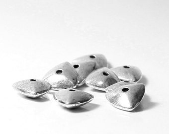 40pcs--Tiangle Metal Bead, Antique Silver, 9mm (B26-6)