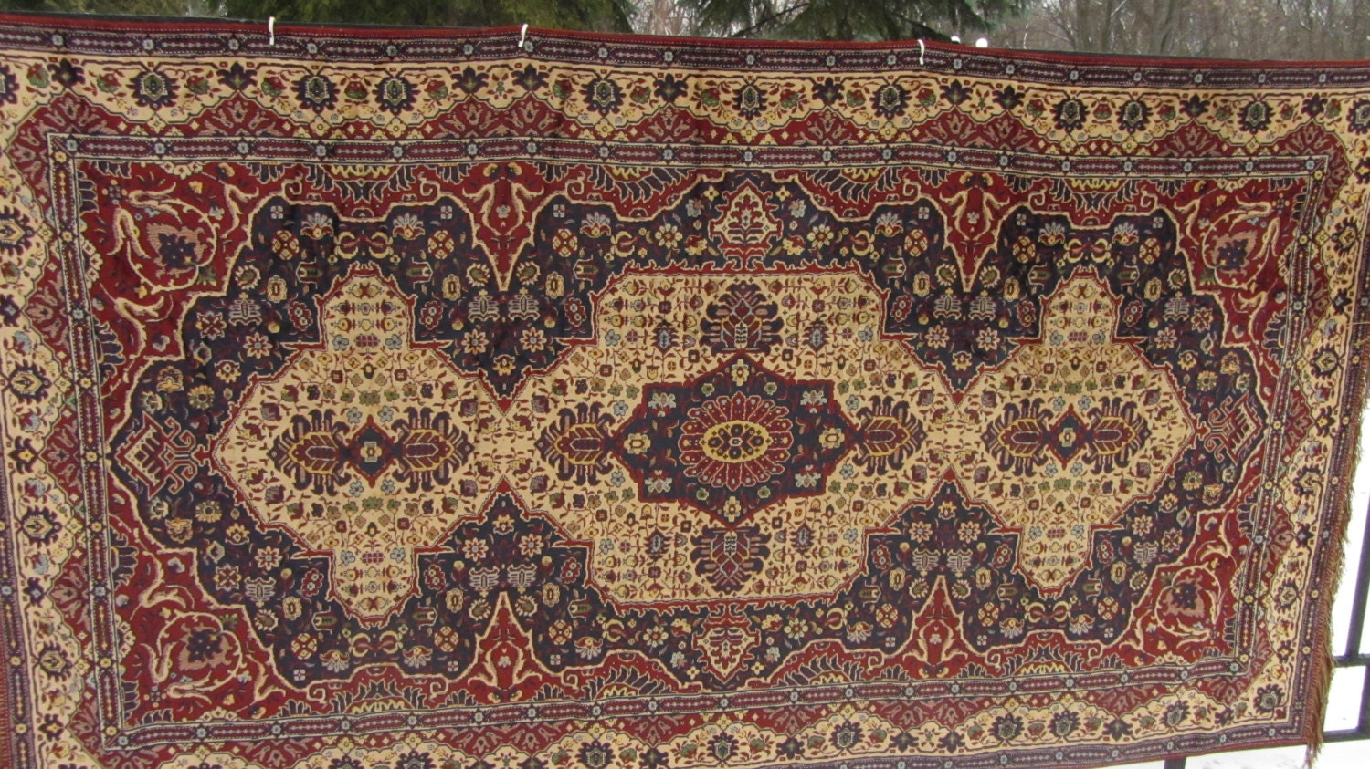 Original Vintage Divandec Carpet from Germany (GDR era),Like New condition. Home