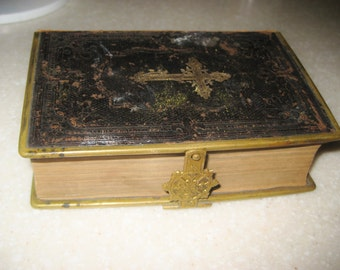 Antique Hauges Bialmebog 1891 Bible with latch Norway Christiana Copenhagen Gold Trim