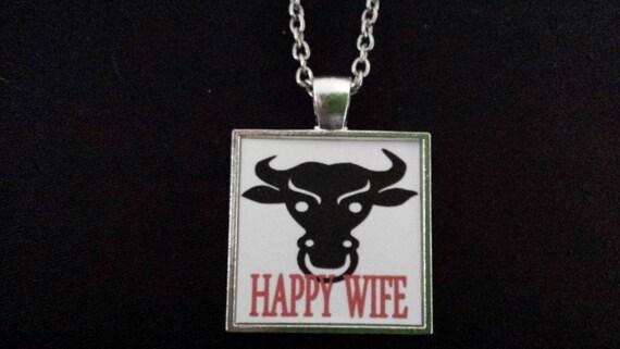 Black Bull Happy Wife Necklace Pendant Jewelry Charm Hotwife-7401