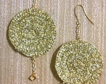 Gold bread circle earrings