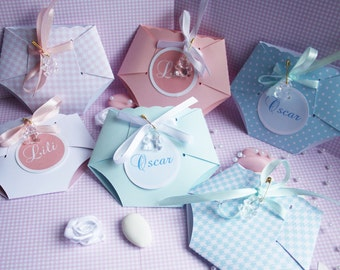 Birth, baby-shower invitations in the form of diaper personalized with your text, and color you want