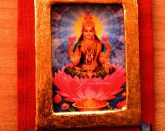 Lakshmi Picture – Hindu Goddess of Wealth, Prosperity & Beauty