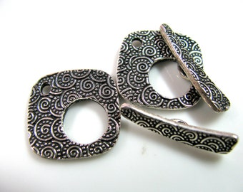 Toggle clasp, ring 20mm, toggle 25mm, 1 toggle clasp,  circle pattern, plated pewter, finished on both sides - 684
