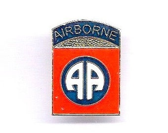 Vintage U.S. Army 82 Airborne Division Hat/Lapel Pin