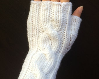 One Cable Fingerless Gloves/Hand Warmers/Manicure Gloves (White)
