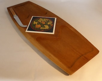 Vintage wooden cheese board with tile insert