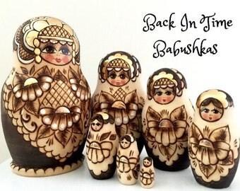 1997 Christmas Nesting Dolls Gift Set of 7 Pyrography & Gold Russian Nesting Dolls, Matryoshka Doll, Matreshka, Matpëwka Doll.