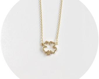 Four-Leaf Clover Outline Necklace