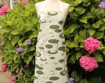 Apron- Frogs Apron - Gift- Homeware- Kitchenware- Mens Apron - Womens Apron- Pond- green - White