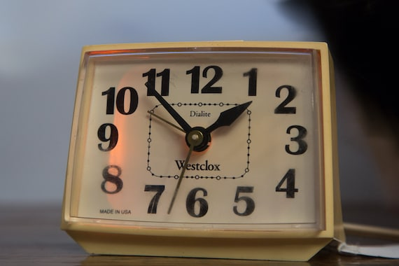 Vintage Westclox Dialite Electric Alarm Clock With Light Up