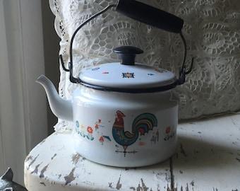 Cute, rooster enamelware teapot.