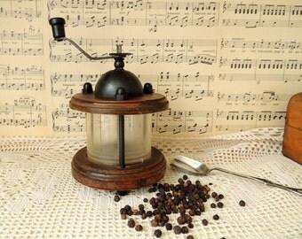 Vintage Pepper Mill, Pepper Grinder, Home Kitchen Vintage Retro Old Rustic Decor Decoration Ornament, Kitchen Decor Ornament, Collectibles