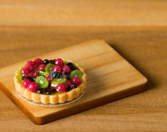Dollhouse Miniatures Berry & Kiwi Tart