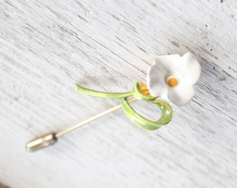 vintage, stick pin, jewelry, gold, lapel pin, tie pin, scarf pin, flower, daisy, lily, enamel, neckwear, gift for her, christmas, retro