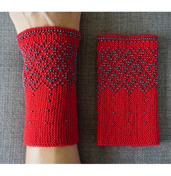 Red and grey beaded wrist warmers/ knitted wristlets with beads / woollen cuffs – ready to ship