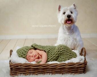 Newborn cocoon and hat prop set