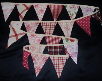 PENNANT. GARLAND. Real British and Bavarian materials. Exceptional design. Color: Red.