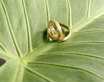 Wedding Ring Set. 18K Solid Gold Wedding Bands. His and Hers Wedding Rings. Wedding Engagement Ring. Personalized Wedding Rings