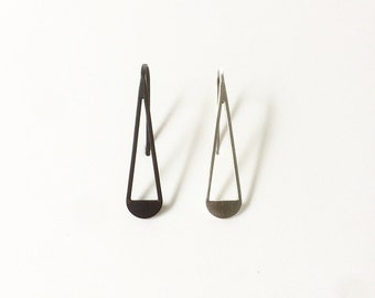 drop earrings.sterling silver.Oxidized silver