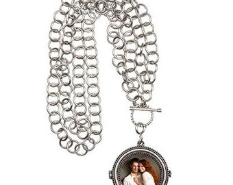 Hannah Magnetic Locket (Custom Photo)