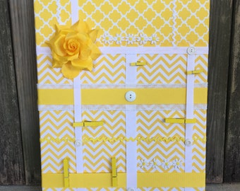 handmade / Cottage chic / message board / wall organizer / clothes pin board / teacher gift / dorm room / girls room / picture board