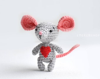 Grey Mouse with Red Heart-Tiny Mouse Amigurumi Plush-Miniature Crochet Toy-Miniature Amigurumi Rat Mice-Tiny Crochet Mouse Stuffed Animals
