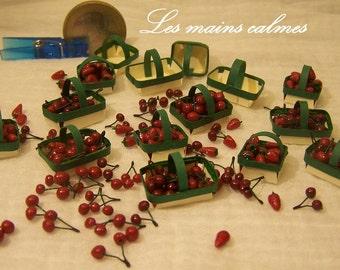 Strawberries or cherries tray 1.10ème and 1.12ème