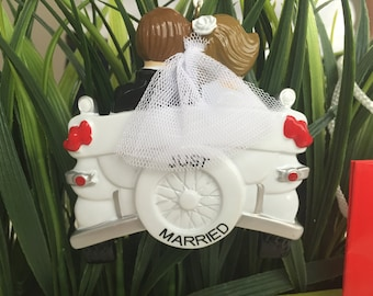 Just Married Christmas Ornament>>FREE PERSONALIZE>>FREE Holiday gift bag>>Couple ornament>>Merry Christmas