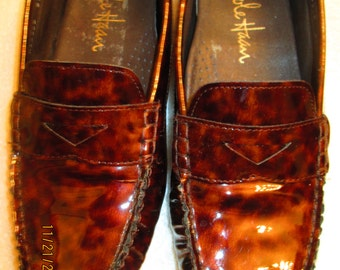 Vintage Cole Haan tortoise shell pattern patent leather loafers Size 6 1/2 B M Unique, unusual and very handsome.