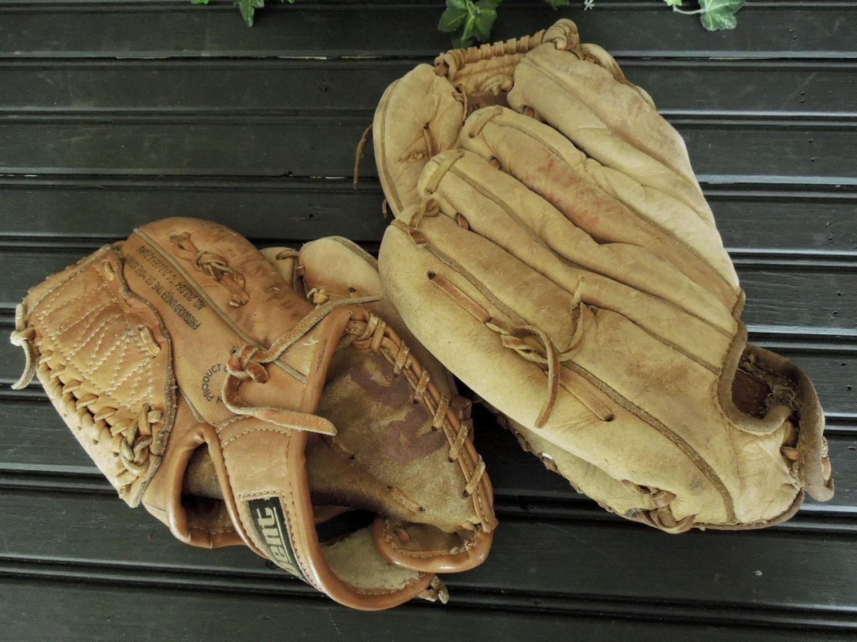 Vintage Baseball Mitts 121