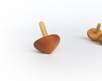 Wooden spinning top - Spinning top Toy - Wooden toy - Pin top - Eco friendly toy - Natural toy - Spin toy