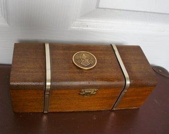 Vintage Blenheim Series Regent Wooden Box With Metal Coat OF Arms Badge And Metal Strip Detail Made In England