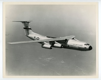 C-141 Starlifter in flight- original vintage photo- military aviation- aircraft- USAF photo- MATS Military Air Transport- Lockheed