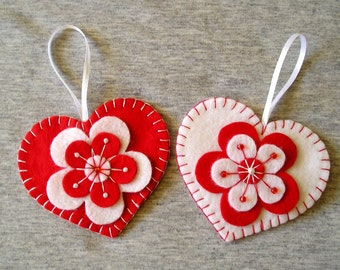 Felt ornament hearts valentines day ornament decoration flowers handing red white, set of 2