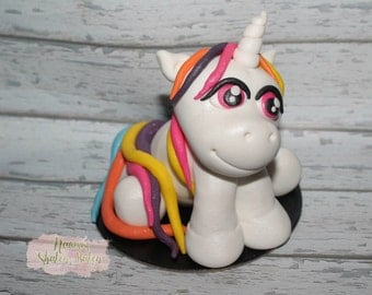1x Edible Fondant Cake Topper Unicorn 7-9cm