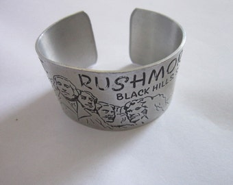 Vintage Retro Aluminum Mt Rushmore Black Hills SD Cuff Bracelet