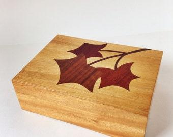 Vintage wooden box / inlay / decorative box / lidded box