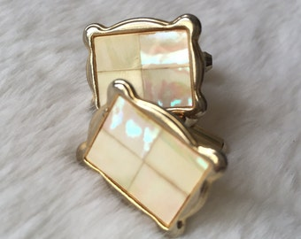 Gorgeous Mother Of Pearl & Gold Tone Cufflinks.