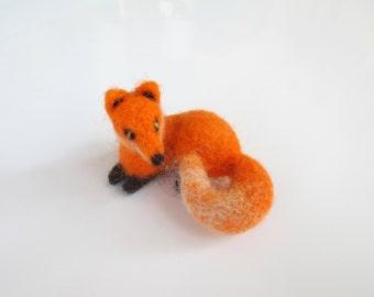 Needle felted woolen fox