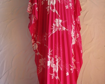 1970s Cochella Accordion Sand Pebble Pink Hawaiian Pleated Caftan