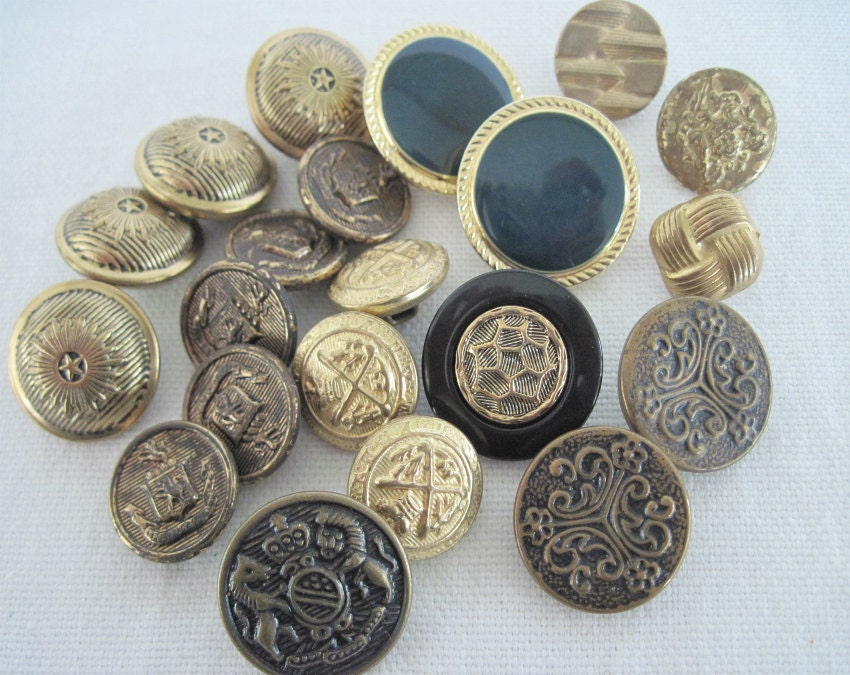 sewing buttons mixed lot vintage buttons metal buttons